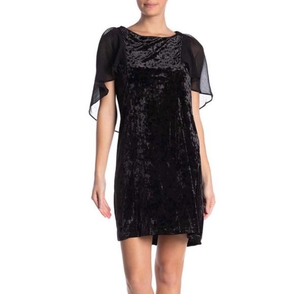 bobeau Dresses & Skirts - NWT B BY BOBEAU Pery Flutter Sleeve Velvet Dress
